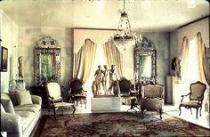 http://www.artcoremagazine.gr/assets/articles/3010236a7953771417f53ea2de14f3b3_1430815818/galleries/gallery1/160456_1413262257183-1430815877.jpg