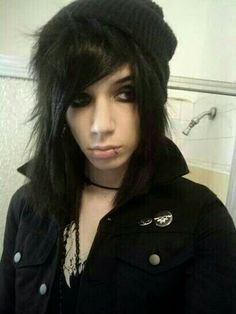 Honestly, old Andy pics are a huge turn on. Wish I could pull the scene hair look, but I'd look like a wavey haired floof
