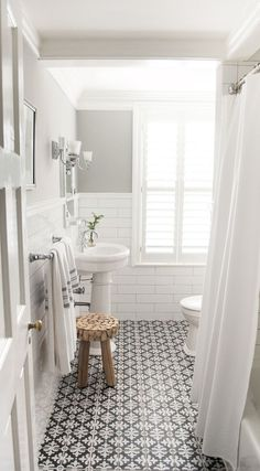 14 Best Small Bathroom Remodel Ideas on a Budget