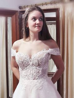Lace Wedding, Wedding Dresses, Exclusive Collection, Brides, Fashion, Bride Dresses, Moda, Bridal Gowns, Fashion Styles