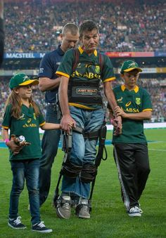A legend: Joost van der Westhuizen (South Africa) Springbok Rugby Players, Rugby Memes, South Africa Rugby, Australian Football, All Blacks, Sport Man, How To Look Pretty, Sports, Beer Quotes