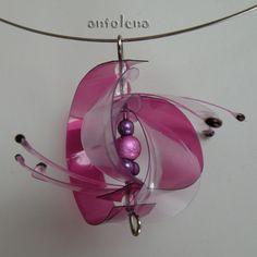 fialový ježek do sady Lehký, autorský šperk, hodící se do setu k těmto náušPETkám. Pozn. obruč není součástí nabídky.