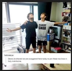 Tae's shirt tho.... I'm so done... This is perfect #VHope #JHope #V #Hoseok…