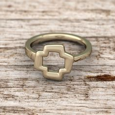 The Quaintrelle Open Plus Ring is a beautiful open form ring is based on the classic plus shape. Ring is designed to be asymmetrical and slimmer on one side to allow for interlocking and stacking of multiple rings.