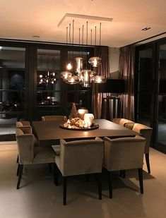 Best and stylish dining room lighting ideas 14 Luxury Dining Room, Dining Room Design, Dining Rooms, Kitchen Dining, Dream Home Design, Home Interior Design, Home Living Room, Living Room Decor, Sweet Home