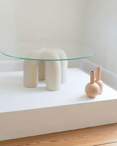 home interior ⚪ design table ceramic Eny Lee Parker // sight unseen Living Furniture, Table Furniture, Rustic Furniture, Furniture Decor, Modern Furniture, Furniture Design, Ceramic Furniture, Antique Furniture, Outdoor Furniture