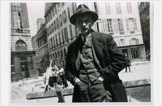 Joseph Roth, Place de L'Odéon, Paris, 192?