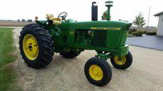 Old John Deere Tractors, Lawn Tractors, John Deere 2010, John Deere Equipment, Tractor Implements, Rubber Tires, Diesel, Scenery, Auction