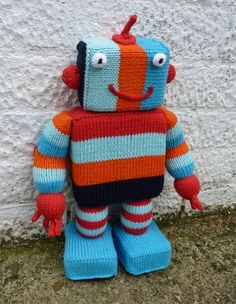 "Mr. Robot Free Knitting Pattern - PDF ( click ""download"" or ""free Ravelry download"") http://littlecottonrabbits.typepad.co.uk/my_weblog/2010/09/mr-ro-bot.html"