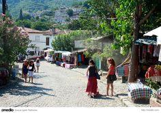 Şirince Köyü, Selçuk/İzmir Şaraplarıyla da ünlü bir köy. Üstelik köyü gezdikten sonra çok yakınındaki Efes Antik Kenti de ziyaret edilebilir.