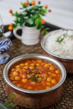 Naut in sos de rosii aromat Garam Masala, Chana Masala, Indian Food Recipes, Ethnic Recipes, Cata, Chickpeas, Vegetable Recipes, Good Food, Cooking Recipes