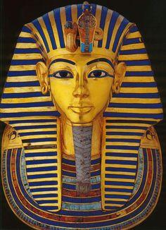Máscara de oro de Tutankamon, faraón egipcio de la XVIII Dinastía, datada en el 1323 a. C. Publicado por: @akropolisblog