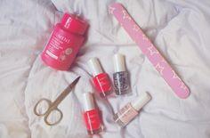 Manicure moment by blogger Joanna. #nailpolish #lumene