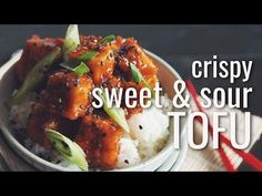Vegan crispy sweet and sour tofu keeps dinner easy! The tofu is doused in traditional tangy sweet & sour sauce! It's perfect served over rice or with sautéed chinese broccoli or bok choy. Diet Recipes, Vegan Recipes, Recipies, Vegan Dinners, Tofu Meals, Smoothies, Crispy Tofu, Nutrition Program, Pasta