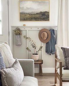 Interior Design Inspiration, Decor Interior Design, Home Decor Inspiration, Furniture Design, Home Room Design, House Design, Entryway Decor, Entryway Bench, Flur Design