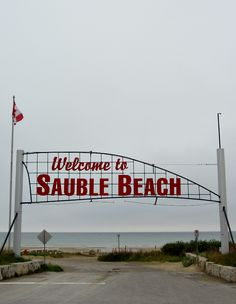 Bruce Peninsula - Sauble Beach Where I grew up Places To Travel, Places To See, Places Ive Been, Wonderful Places, Beautiful Places, Rocky Shore, Canada Eh, Great Lakes, Canada Travel