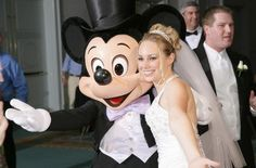 Disney wedding event gallery with more than 600 Disney weddings, engagements, proposals, bridal showers, etc.