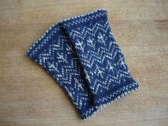 Ravelry: Zweifarbige Pulswärmer aus Sockenwolle 210m/50g pattern by Friederike Erbslein