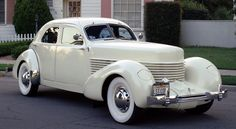 The Classic Cars of Led Zeppelin Cord 812 Retro Cars, Vintage Cars, Antique Cars, Classic Motors, Classic Cars, Cord Automobile, Duesenberg Car, Cord Car, Motor Works