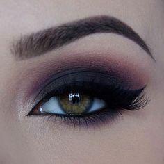 Eye Makeup Tips – How To Apply Eyeliner – Makeup Design Ideas Eye Makeup Tips, Smokey Eye Makeup, Makeup Goals, Skin Makeup, Beauty Makeup, Makeup Products, Makeup Brands, Beauty Products, Smoky Eyeshadow