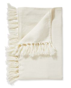 We're big fans of washed linen. It's relaxed but refined, warm but light and breathable, and it gets even softer and more inviting over time. Our throw captures all of linen's great qualities and ups the style factor with knotted tassels along the edges. Zara Home, Master Suite, Master Bedroom, Farmhouse Bedding Sets, Black Bed Linen, Luxury Throws, Ralph Lauren, Linen Storage, Patterned Sheets