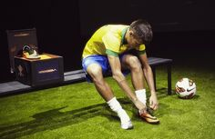 Neymar and the Nike Hypervenom Good Soccer Players, Soccer Quotes, 22 Years Old, Neymar Jr, Soccer Cleats, Biography, Role Models, Football, Sports