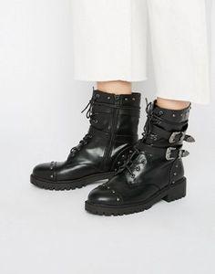 Daisy Street – Grobe, flache Ankle-Boots mit Schnürung und Riemendetails