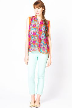 Abstract Floral Sleeveless Popover   a-thread