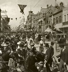 Main Street looking north from around 6th. Photo was taken on May 8, 1901, the day U.S. President William McKinley came to Los Angeles. (Bizarre Los Angeles)