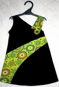 patron robe enfant babylon 2 PlusI like the swoosh across the dress, but not the strap Frock Design, Baby Dress Design, African Dresses For Kids, Latest African Fashion Dresses, Toddler Girl Dresses, Baby Frocks Designs, Kids Frocks Design, Kids Dress Patterns, Clothing Patterns