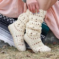 This lacy cotton crochet boots pattern will complete your boho-inspired outfits all spring and summer long! Make them with flip flop soles for the most comfortable, airy boots you Cotton Crochet, Crochet Baby, Free Crochet, Beginner Crochet, Ravelry Crochet, Crochet Boots Pattern, Crochet Slippers, Make And Do Crew, Christmas Knitting Patterns