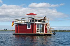 Tiny house off shore: Stern Hausboot, Germany