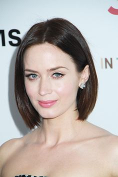 Sleek Brunette Bob on Emily Blunt Like what you see? Visit www.modernartspa.com in Redondo Beach, and let one of our stylists help you achieve this look! 310-374-7878
