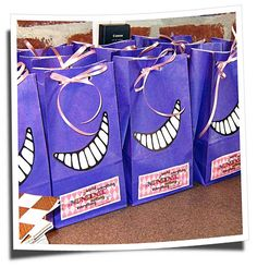 Alice in Wonderland/Cheshire cat party bags 9th Birthday Parties, Tea Party Birthday, 10th Birthday, Birthday Ideas, Mad Hatter Party, Mad Hatter Tea, Chesire Cat, Alice In Wonderland Tea Party, Holidays Events