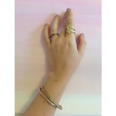 double arrowhead ring .. olive vintage