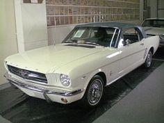 販売された最初のフォードマスタングコンバーチブル