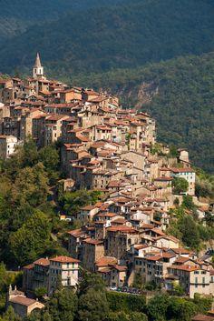 Apricale, Liguria, Italy by bautisterias