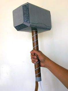 Tektonten Papercraft - Free Papercraft, Paper Models and Paper Toys: Thor Hammer Papercraft (Avengers Version) Thors Hammer, Paper Toys, Paper Crafts, Paper Art, Avengers Crafts, Loki Cosplay, Nerd Crafts, Avengers Birthday, Cosplay Tutorial