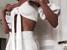 Image about girl in Outfit Goals!💣💥 aka Fashion Inspo😚 by A n g e l a 🌹 Minimal Fashion, White Fashion, 90s Fashion, Minimal Chic, Girl Fashion, Beautiful Outfits, Cute Outfits, Summer Outfits, Outfit Goals