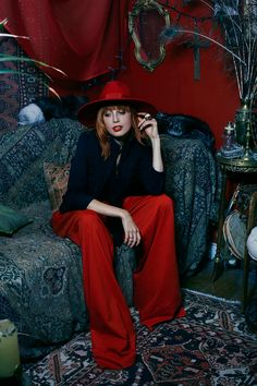 Louise from the blog Miss Pandora wearing our skirt and hat from the Fall Winter 15 16 Collection #tara_jarmon #red #FW1516