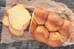 Brioche sans beurre, sans oeufs au Thermomix Snack Recipes, Snacks, Brunch, Chips, Food And Drink, Bread, Cooking, Farine T45, Super Robot
