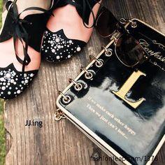 Those shoes. I want.
