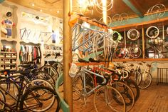 want to live in this bike shop