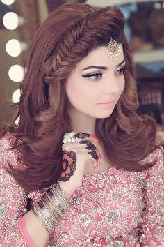 Top 10 Trendy & Versatile Hair Styles for women in Hair Style Girl new hair style for girls Indian Wedding Hairstyles, Ethnic Hairstyles, Bride Hairstyles, Hairstyles Haircuts, Pakistani Bridal Makeup Hairstyles, Hairstyles For Gowns, Simple Hairstyles, Summer Hairstyles, Bridal Hairdo