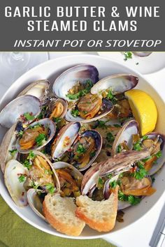 Easy Steamer Clams in a velvety garlic butter white wine sauce. This clams recipe can be made in the Instant Pot or Stove Top. Dinner will be ready in just 15 minutes. Tear off some bread to dip into the flavorful white wine broth to complete the meal. Shellfish Recipes, Seafood Recipes, Appetizer Recipes, Appetizers, Clams Recipe White Wine, Steamer Clam Recipes, Wine Recipes, Cooking Recipes, Asian Recipes