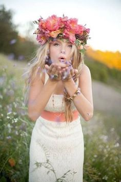 Flower Crown. I want to make this and I want my sis in law Ashley to wear it.