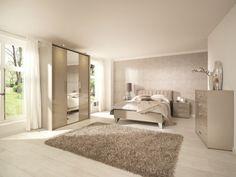 Ciepła sypialnia. Zobacz jak urządzić przytulne wnętrze  - zdjęcie numer 10