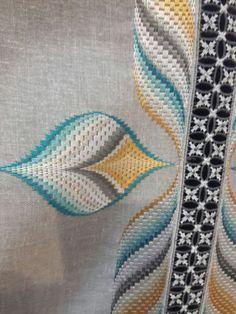 ponto reto - toalhabordado bargello o florentino ile ilgili görsel sonucu Bargello Needlepoint, Bargello Quilts, Broderie Bargello, Bargello Quilt Patterns, Needlepoint Stitches, Needlework, Hardanger Embroidery, Cross Stitch Embroidery, Embroidery Patterns