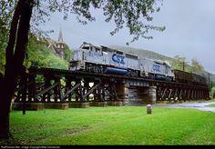 RailPictures.Net Photo: CSXT 6439 CSX Transportation (CSXT) EMD GP40-2 at Harpers Ferry, West Virginia by Mike Danneman