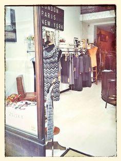 Buona domenica Lo store è aperto sino alle 20,00 Via Bertola 25/d TORINO — presso Neo.chiC.